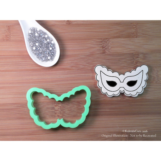 Scalloped Mask Cookie Cutter