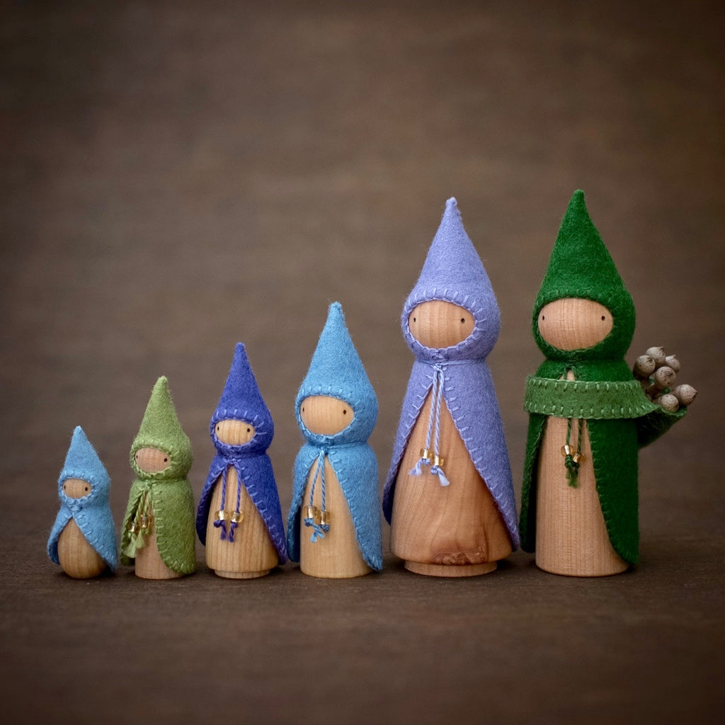 Blueberry Gnomes Build a Set