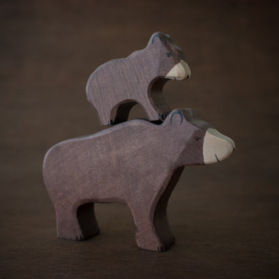 holztiger wooden brown bear animals stacked on top of each other