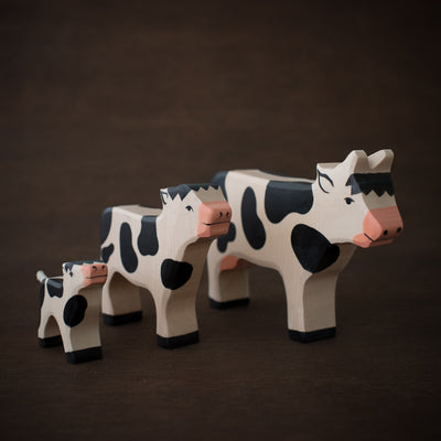 holztiger wooden cow toy with calves