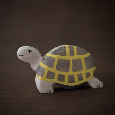 holztiger wooden tortoise toy from side