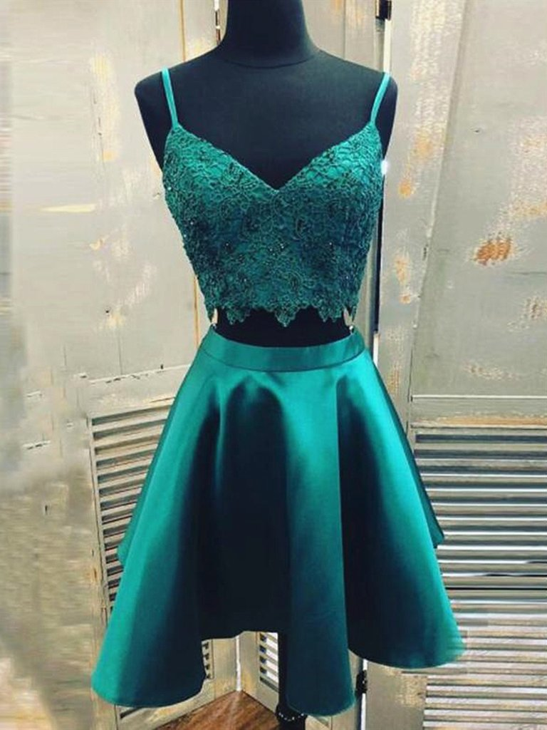 V Neck 2 Pieces Green Lace Short Prom Dresses, Two Pieces Short Green Formal Homecoming Dresses