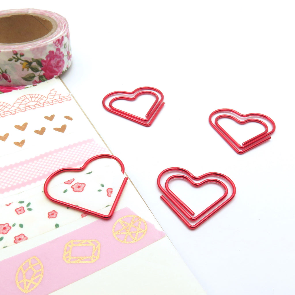 Red Heart Paper Clips