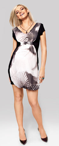 products/Delia_Maternity_Dress_1.jpg