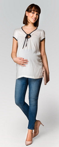 At GlowMama Maternity styling 'Mum's to Be' is our speciality. Visit our Brisbane maternity clothing boutique or shop online, you'll receive the same great service. From maternity jeans, pregnancy corporate wear, maternity w.