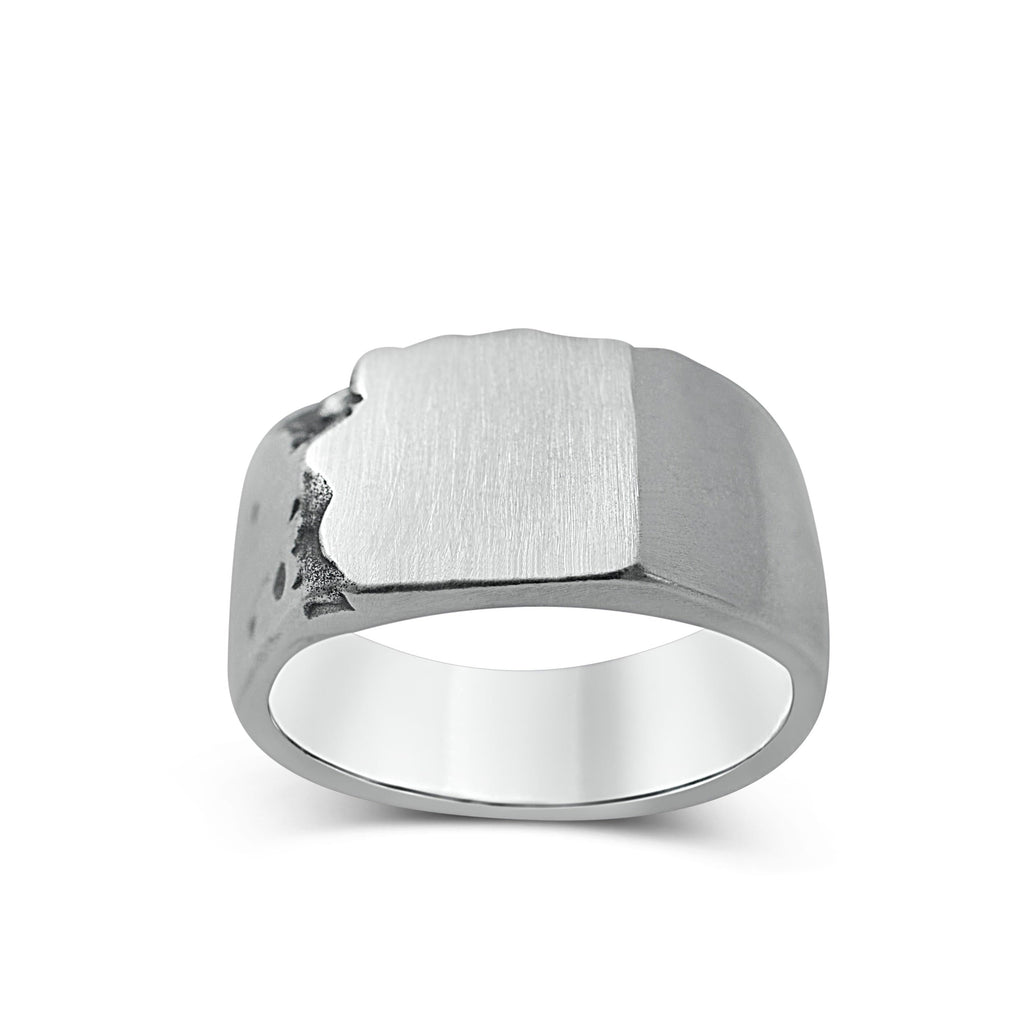 Men's ring Signet classic carved