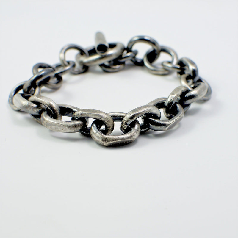 Men's bracelet Chain link. Front view.