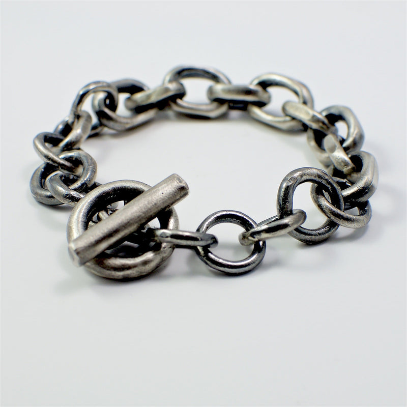 Men's bracelet Chain link. Back view left.