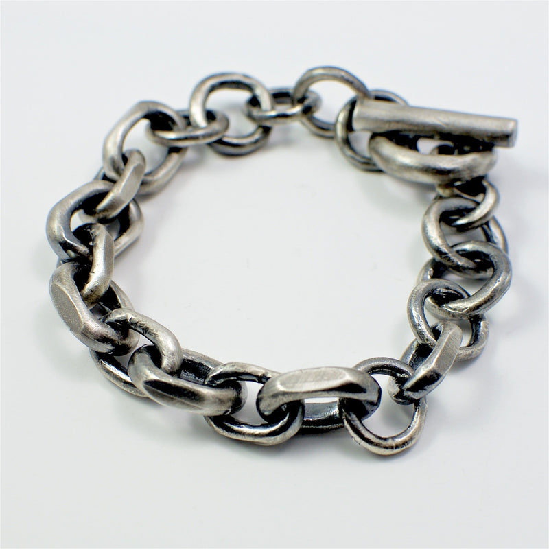 Men's bracelet Chain link. From above.