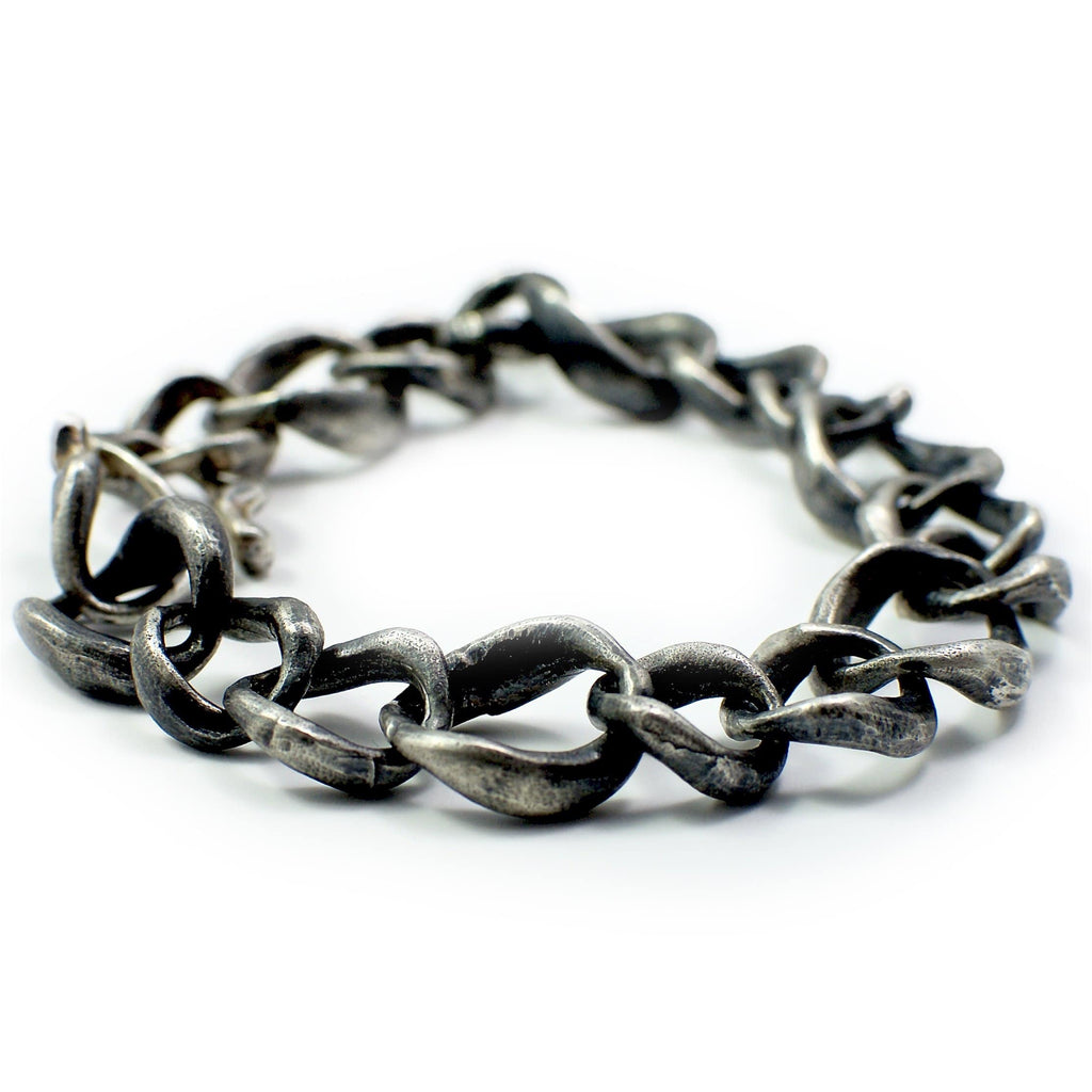 Men's bracelet Chain oxid. Perspective view.