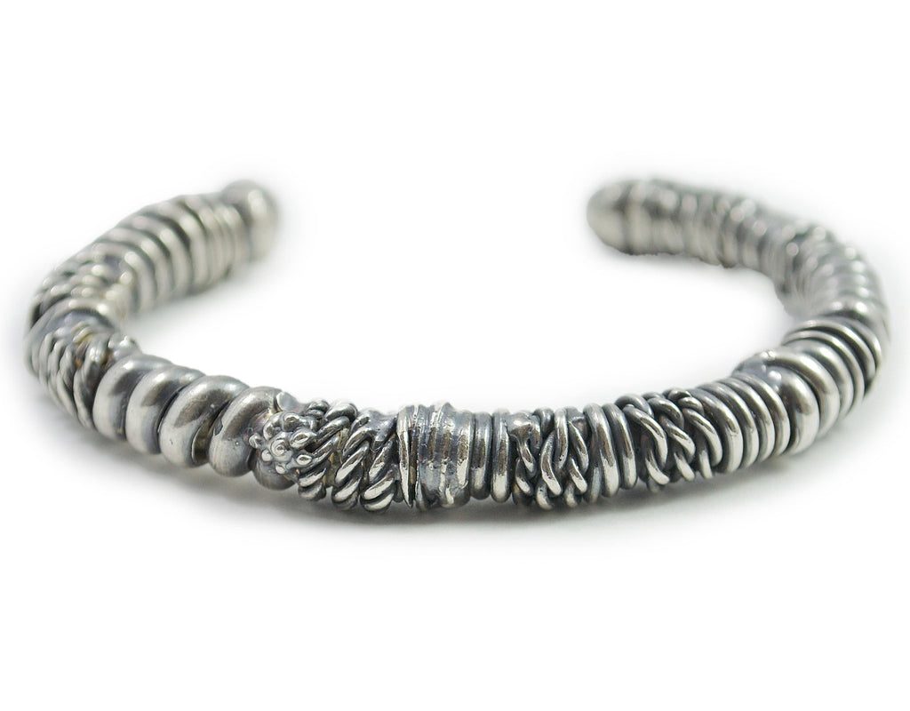 Men's bracelet Cuff twist. Front view.