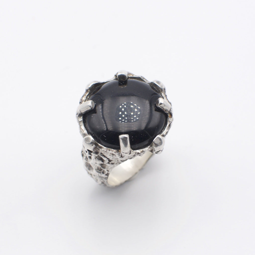 Men´s ring Onyx stone with skulls