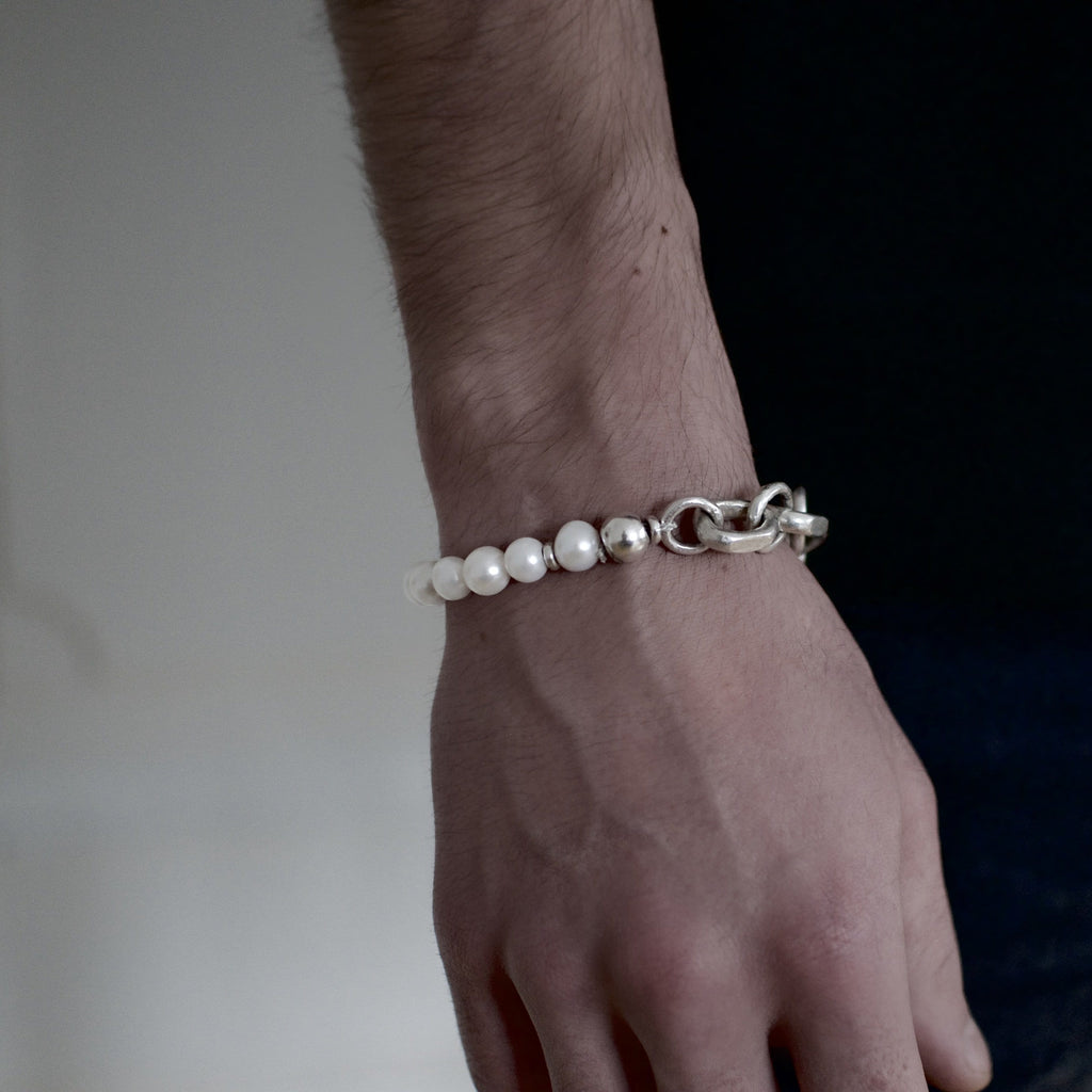 Men´s bracelet with fresh water pearls and solid sterling silver link