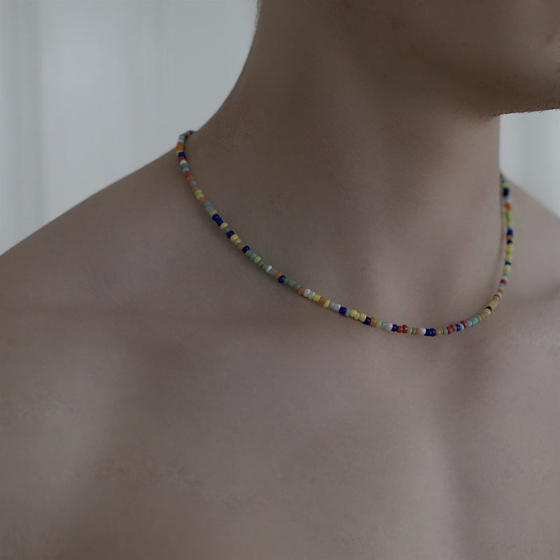 Men´s necklace color beads on model