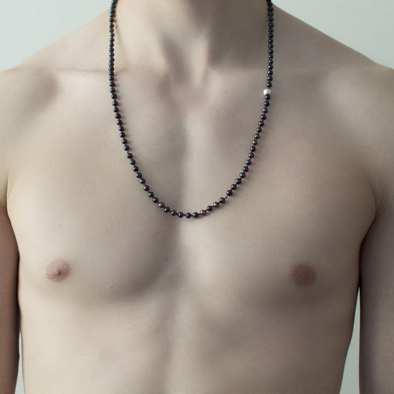 Men´s necklace with freshwater pearls black