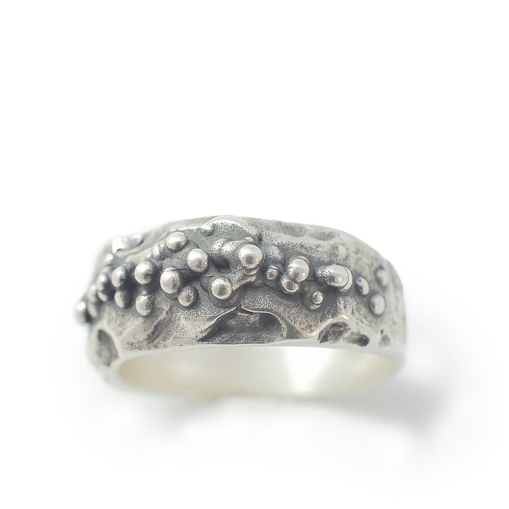 Oxide moon ring