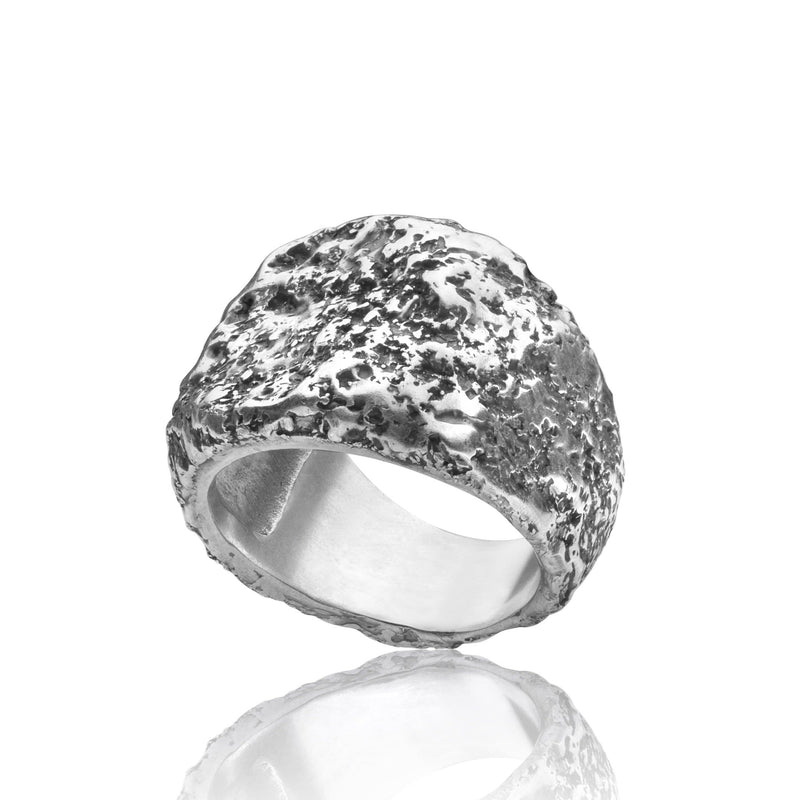 Men's ring Signet carved moon oxid