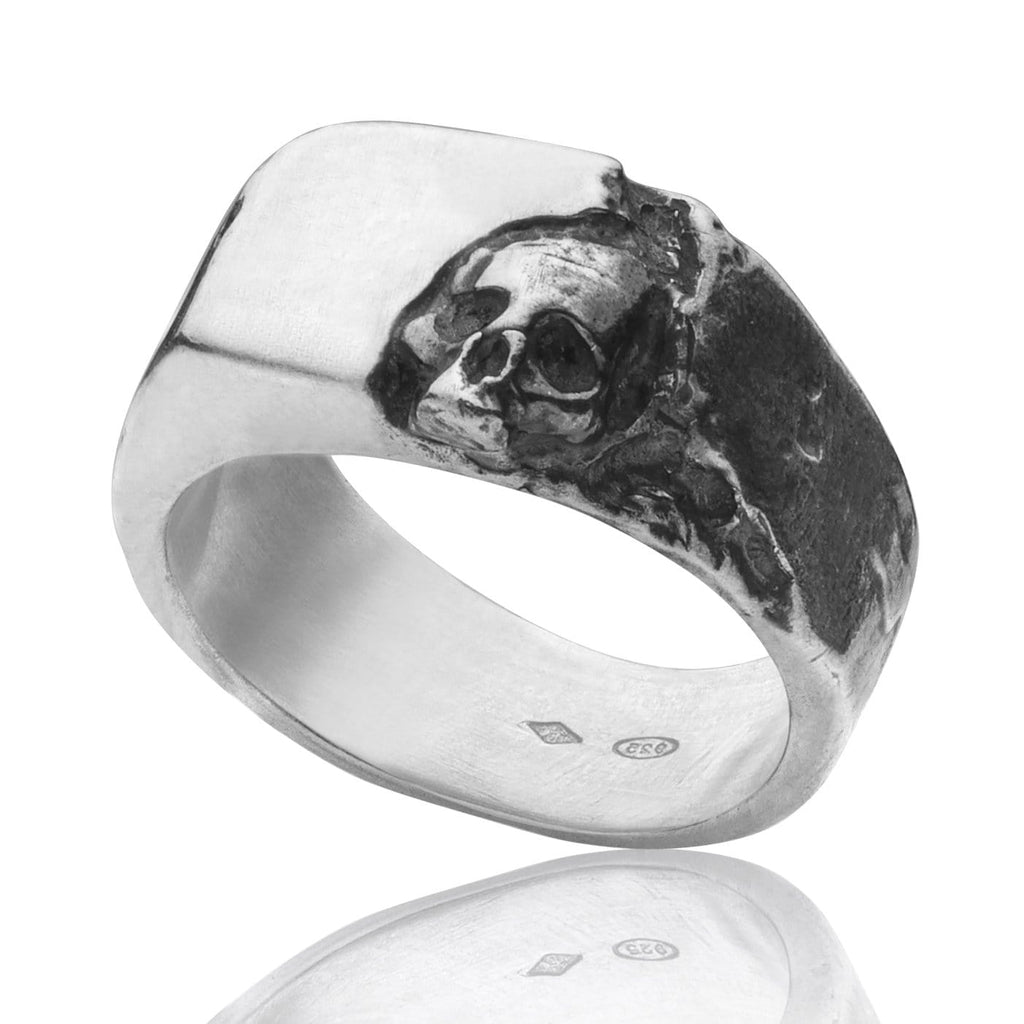 Skull ring Signet carved