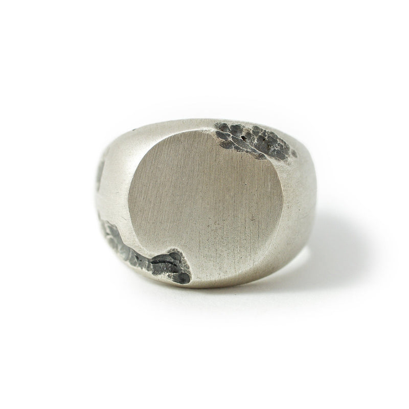 Men's ring Signet round crunch. Front view.