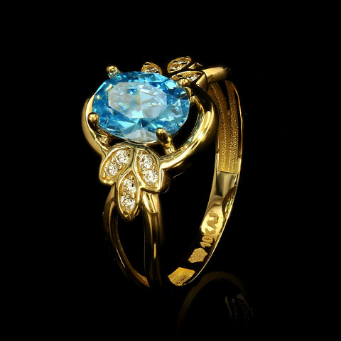 10kt Gold Fancy Woman Ring with Cubic Zirconia