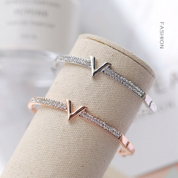 Luxury Letter V Crystal Bracelet