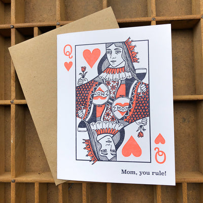 Queen of Hearts Mom Card