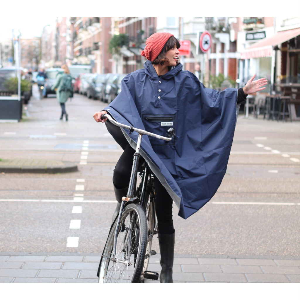 The people's poncho - The People's Poncho - Hardy navy poncho - Les Facteurs