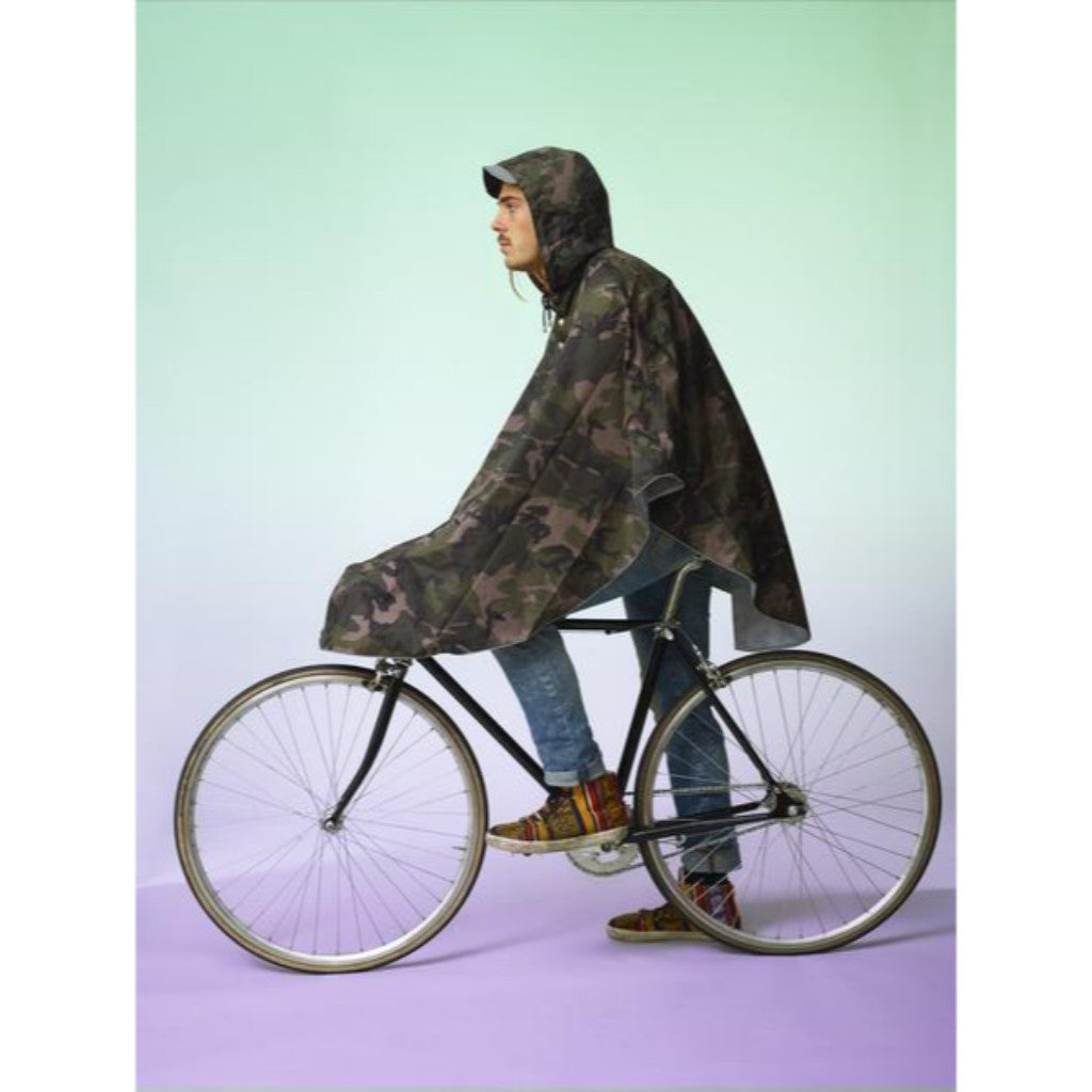 The people's poncho - The People's Poncho - Hardy camouflage poncho - Les Facteurs