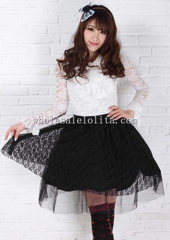 Fashionable Gothic Short Skirt in Black Lace