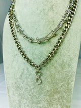 Awesome U Chain Necklace