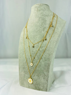 Shiny Daisy Necklace