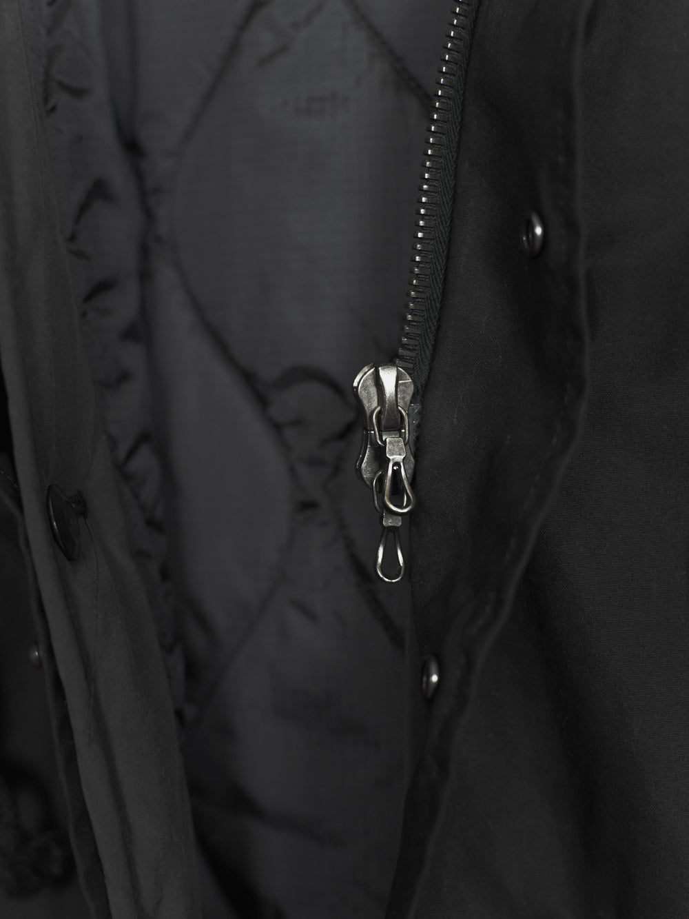 Attachment AW12 Funnel Hood Fishtail Parka
