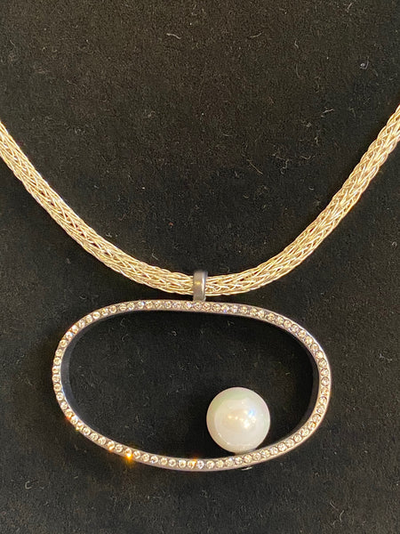 circle with marble pendant necklace