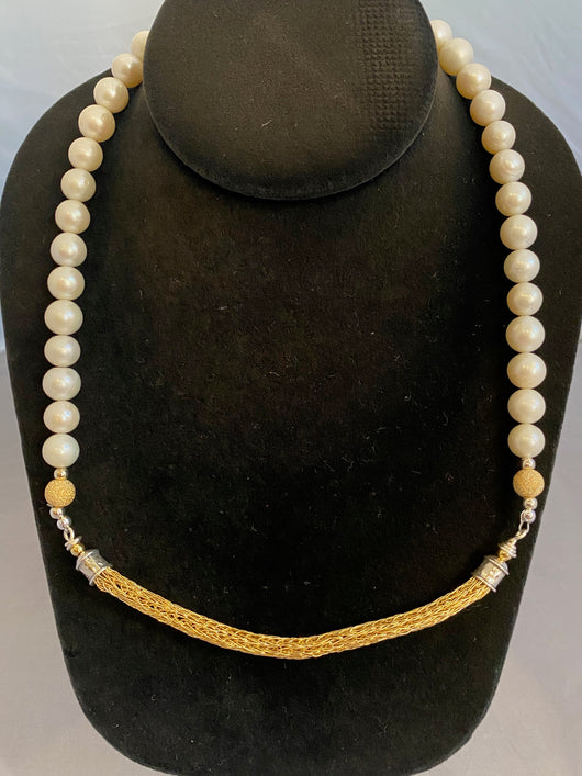 gold bar with pearls