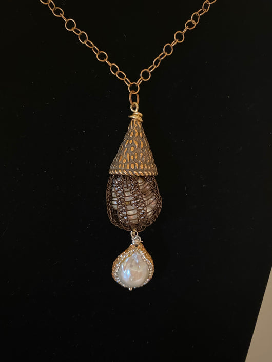 bronze cap necklace with pearls