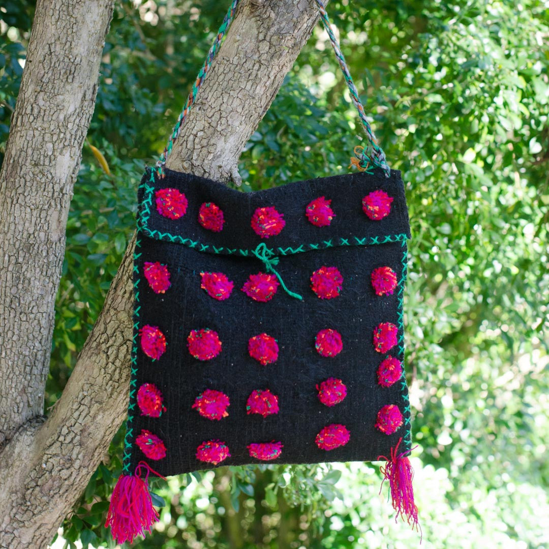 Pom Pom Amor wool bag - Black/pink