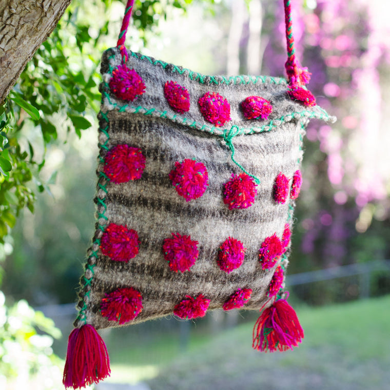 Pom Pom Amor wool bag - Grey/pink