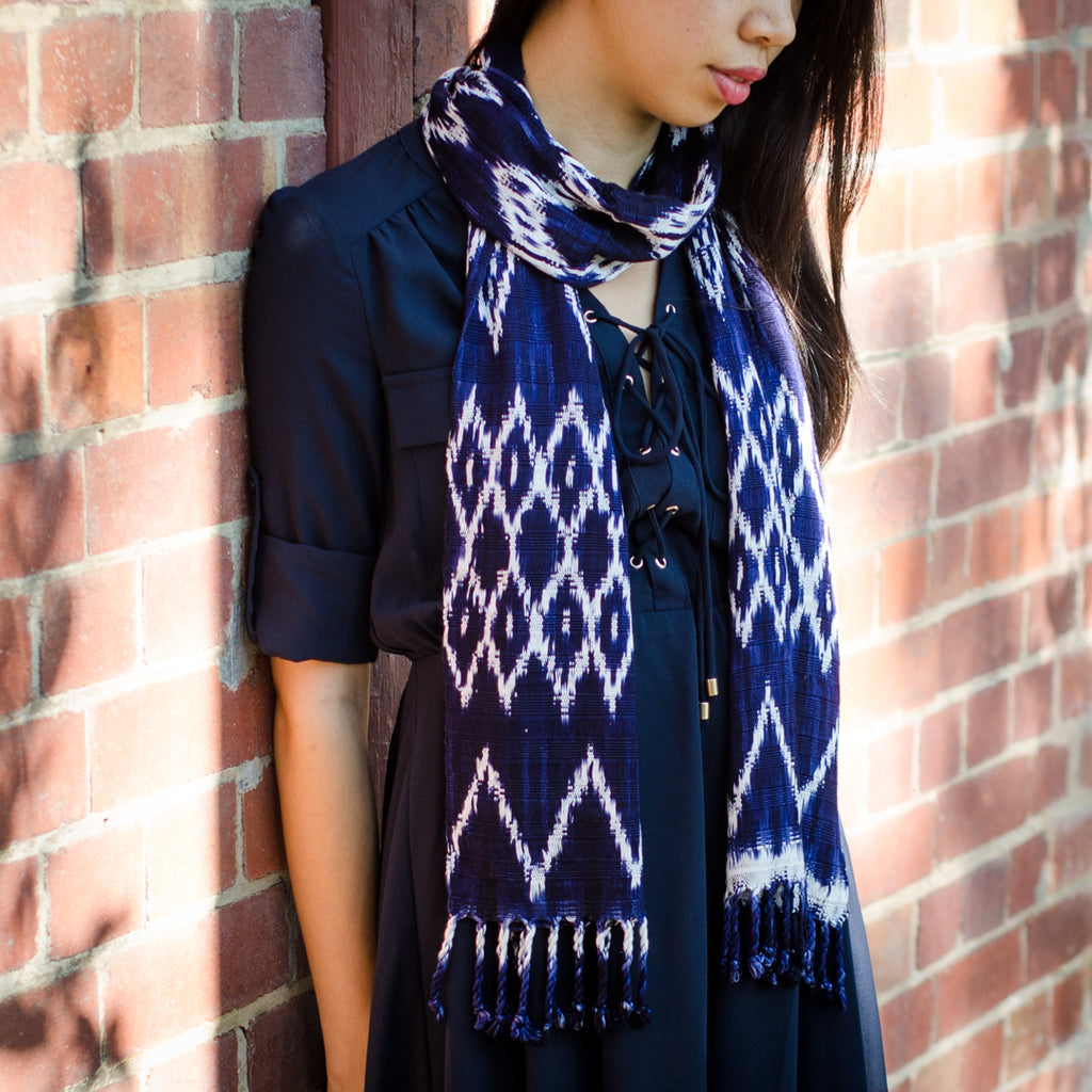 Ikat cotton scarf - indigo