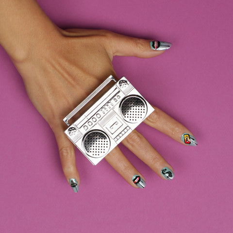 Black dripping lips, dollar, cassette, spray can blue ombre nails