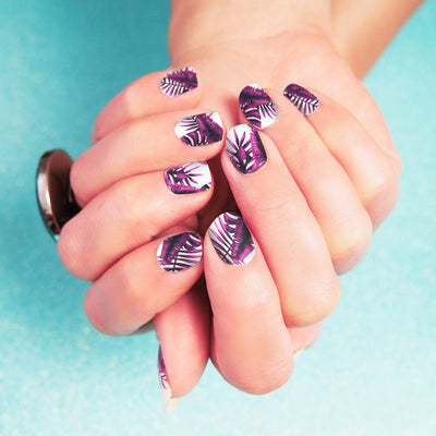 purple jungle nail art on green, Her Royal Flyness, Nail Wraps