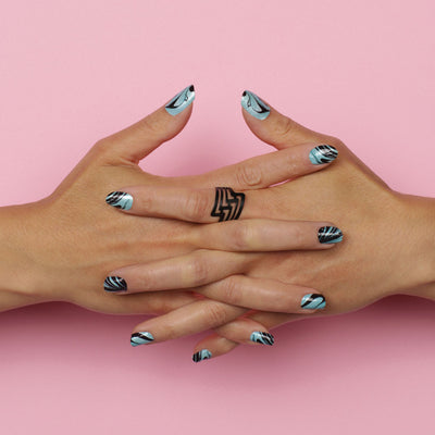 Nail wraps - Her Royal Flyness blue marble nail art, marble nails