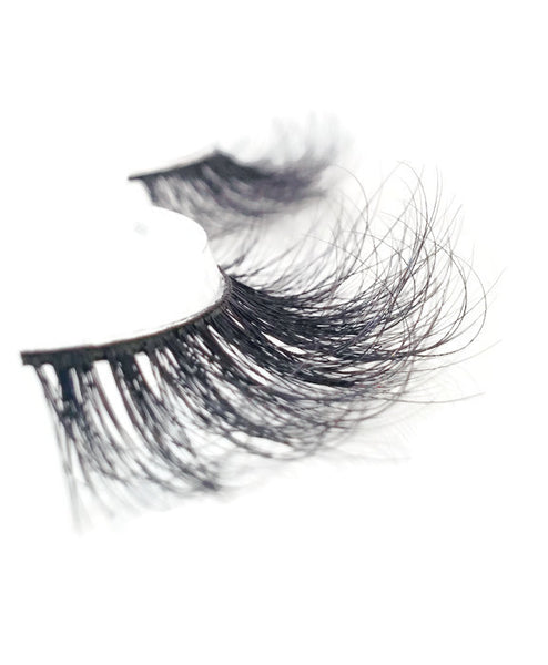 3D Mink Lashes, Mink Lashes, Toronto lashes, natural looking false lashes, strip lashes, canada lashes, lily lashes, huda lashes, huda beauty,long lashes, fluffy lashes