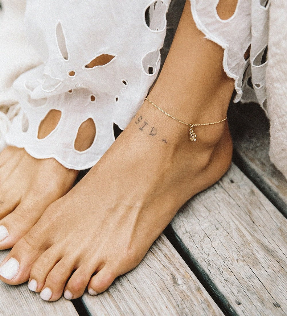 SHELL CLUSTER ANKLET (18K-GOLD-PLATED)