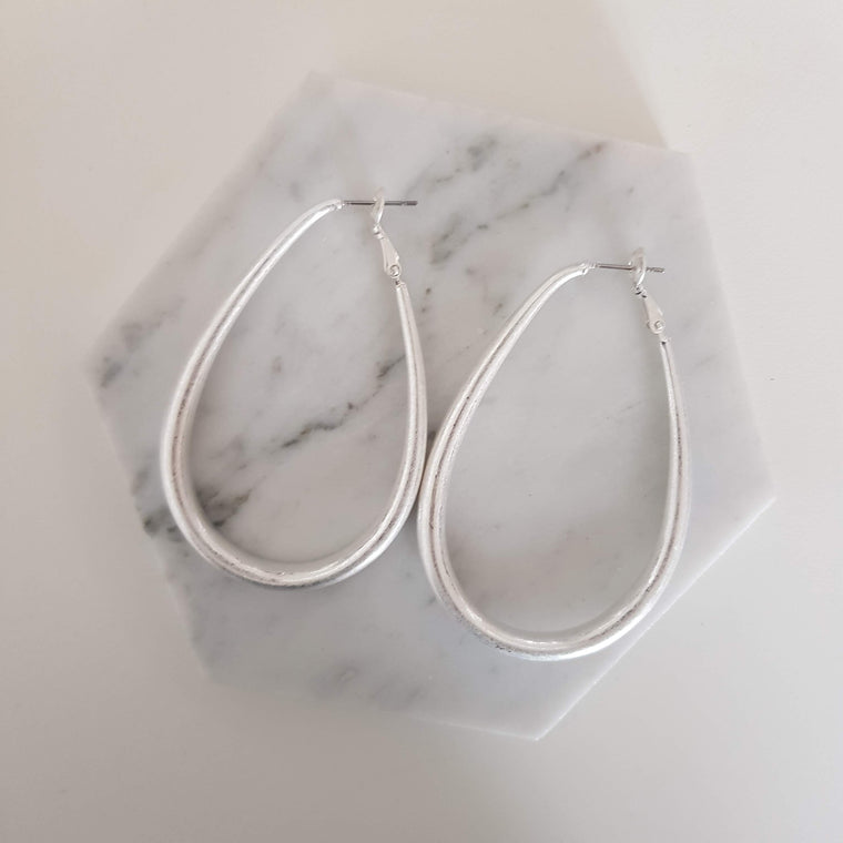 Tear drop statement earrings - Silver