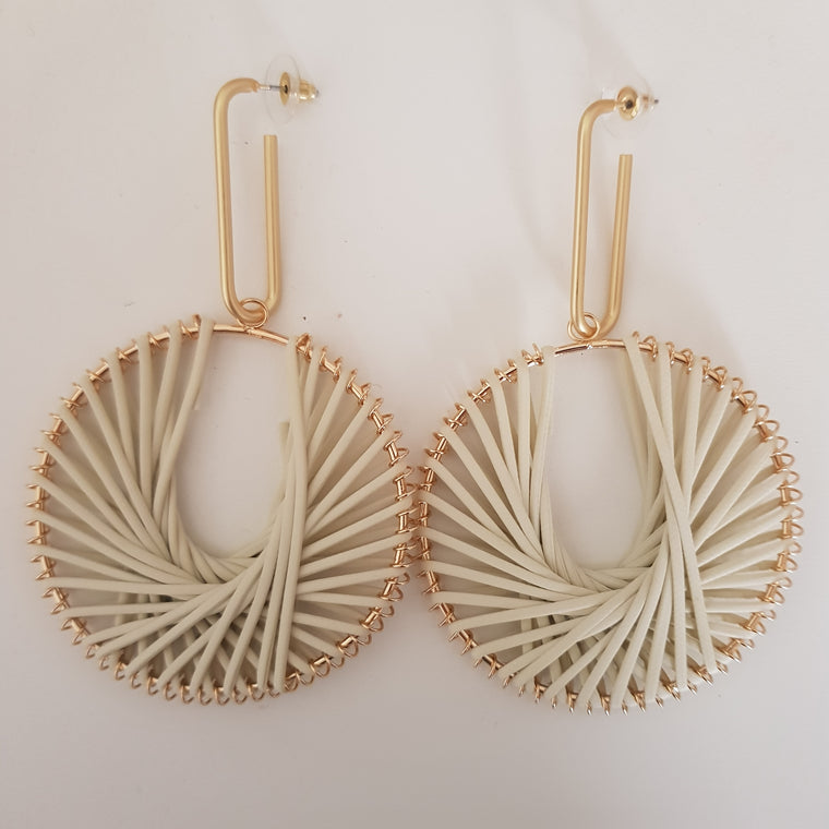 Weave circle statement earrings - Natural and gold