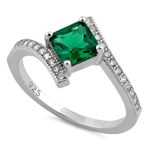products/sterling-silver-elegant-princess-cut-emerald-cz-ring-38.jpg
