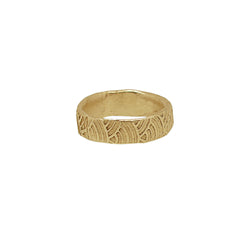 9 CT Gold Textured Wave Ring (Wide Band)