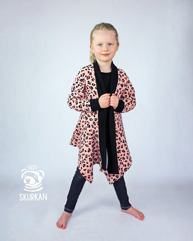 PDF-mønster/pattern: Skurkan Cardigan child size 98-164 (US 3T-14y)