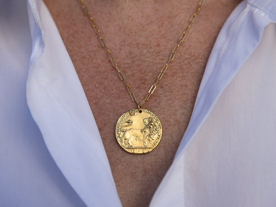 Il Leone Medallion // on the Horizon