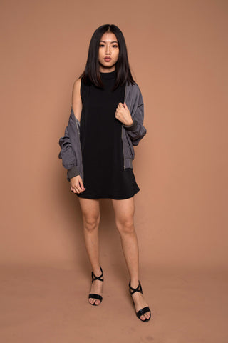 Basic High Collared Shift Dress in Black